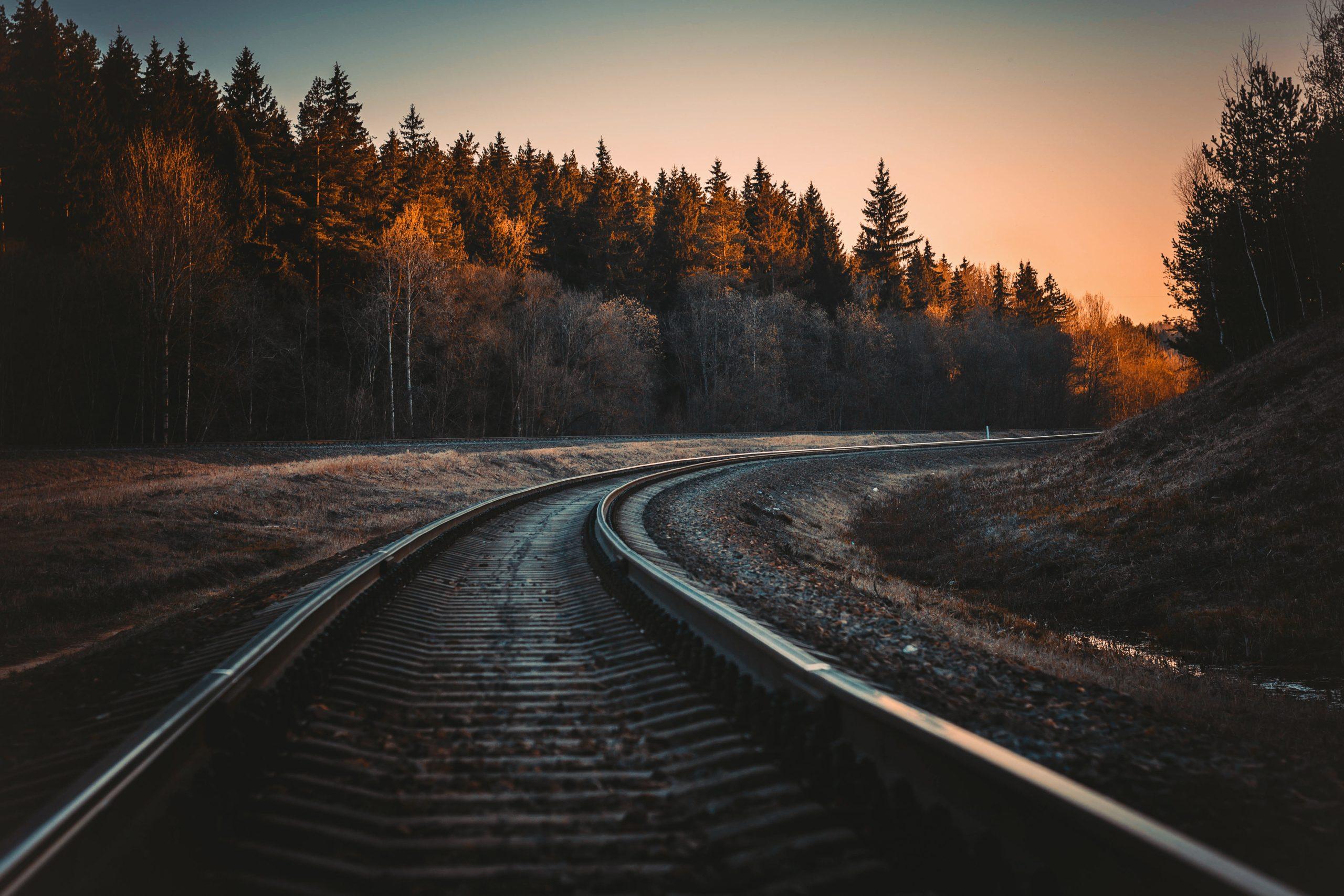 Train track curves
